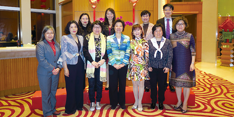 WEC members at a dinner hosted by Qiu Hung