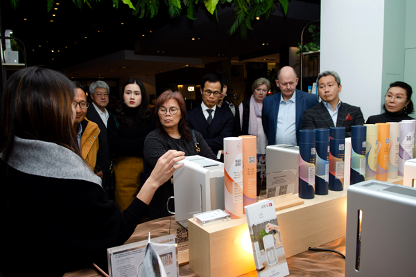 The Chamber organized a visit on 14 January to Colourliving, a lifestyle concept store which brings together specially selected furniture and fittings created by European interior designers.